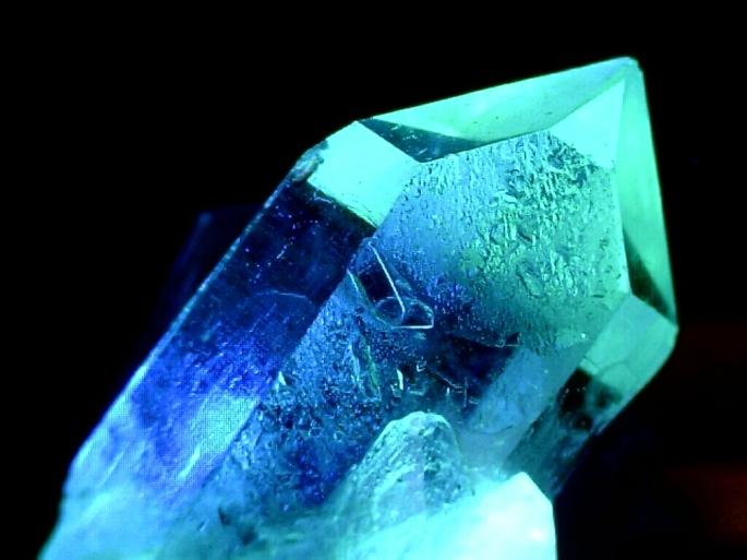Blue-fantasy-crystal